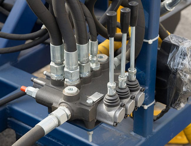 The Right Way to Clean Your Hydraulic Hose Assemblies